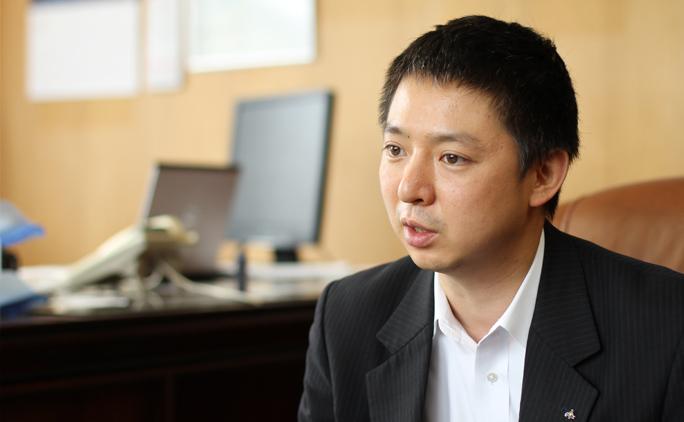 取締役副社長の板倉利幸さん。2016年4月より代表取締役に就任する。
