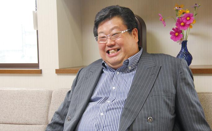 代表取締役の藤森裕康さん。「働く従業員が幸せであってほしい」と話す。