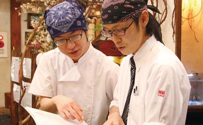右は札内店の店舗運営責任者の富田省吾さん。彼も将来は独立開業したいと考える32才だ。