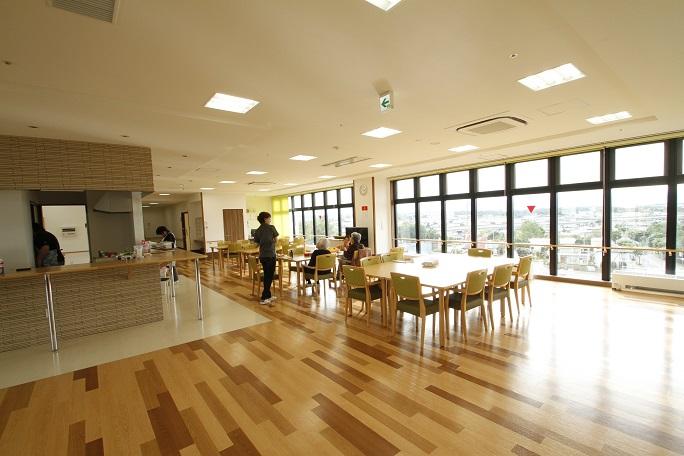レリエンスほくおう帯広中央は7階建て。上階に行けば見晴らしの良い開放的な空間が広がっている。