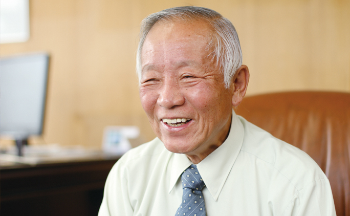 代表取締役の板倉利男さん。「会社は人生道場。仕事を通じて人間力も成長させてほしい」と話す。