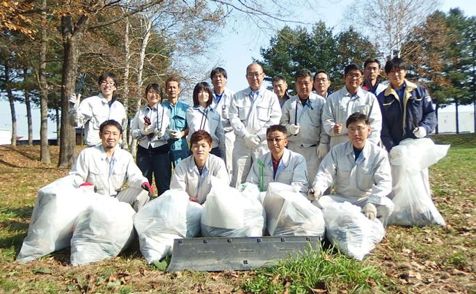 ゴミ拾いやイベントなど、地域貢献活動にも積極的に参加している。
