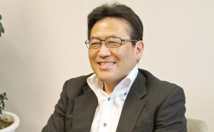 従業員や商品への思いを熱く語る、社長の加藤祐功さん。
